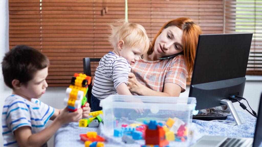 Essere mamma, una vera palestra
